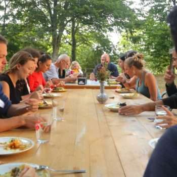 05-lunch_table